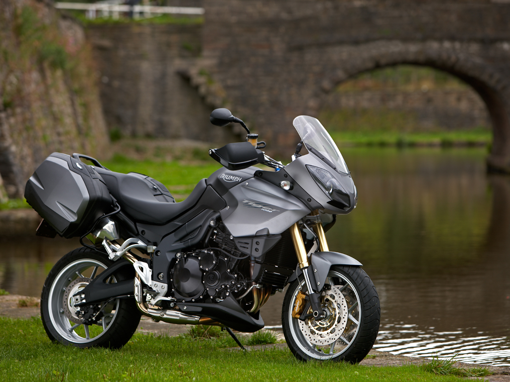 2009 Triumph Tiger Wallpaper